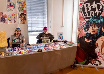 BAD ART sin stand med Sam Einar og kunstner Benedicte. Foto: Birgit Fostervold