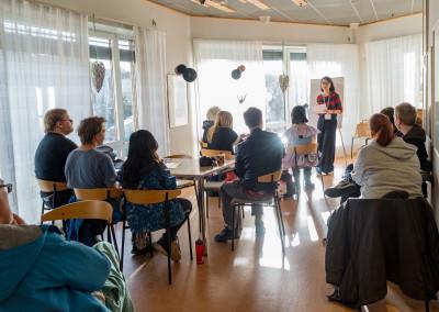 Saori Kano hadde tre workshops, her var det informasjon om ninjaene som sto på programmet. Foto: Birgit Fostervold