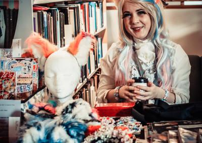 Ingrid med sine søte ørebøyler og plysjhaler. (Foto: Line Haakonsen)